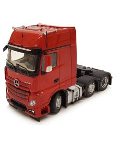 Mercedes-Benz Actros GigaSpace 6x2 czerwony MarGe Models 1:32