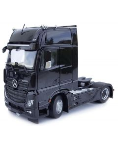 Mercedes-Benz Actros GigaSpace 4x2 czarny MarGe Models 1:32