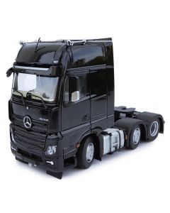 Mercedes-Benz Actros GigaSpace 6x2 czarny MarGe Models 1:32