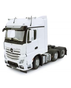 Mercedes-Benz Actros BigSpace 6x2 biały MarGe Models 1:32
