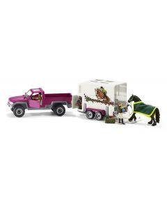 Samochód Pick Up z przyczepą dla konia