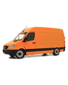 Mercedes-Benz Sprinter pomarańczowy
